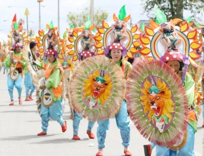 """IPIALES """"Anunciaron entrega de premios a artesanos del Carnaval Multicolor"""". .. Las autoridades indicaron que entre los artesanos ganadores del Carnaval Multicolor de la Frontera se entregarán más de $260 millones. La jornada se efectuará el próximo fin de semana. .. (DIARIO DEL SUR - 11 Mar 2016 /IPITIMES en PINTEREST)"""