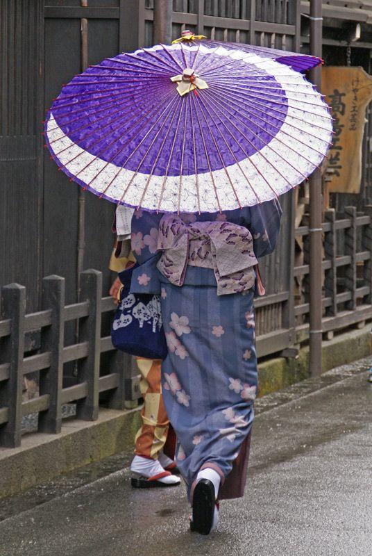 .景色に溶ける傘  Japan.