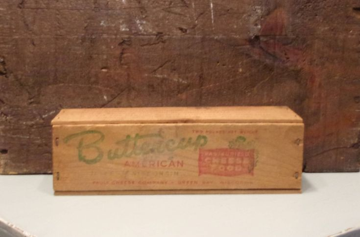 Buttercup Wooden Cheese Box with Lid - Vintage Food Storage - Advertising Container - Farmhouse Primitive - Collectible Kitchen Decor