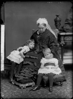 Queen Victoria and her grandchildren Princess Margaret of Connaught (* 1882) and Prince Arthur of Connaught (* 1883). Description from pinterest.com. I searched for this on bing.com/images