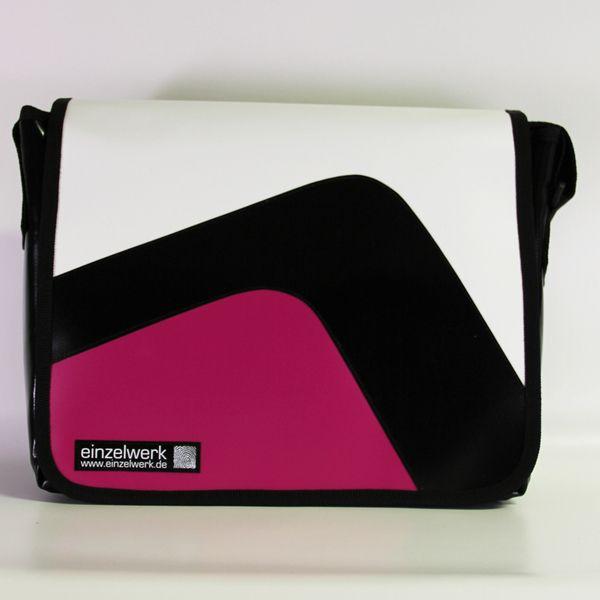 Tasche+aus+LKW+Plane+Tasche+LKW-Plane+Messengerbag+von+EINZELWERK+-+Geldbörsen+&+Taschen+aus+LKW+Plane+auf+DaWanda.com