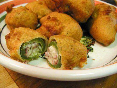 Jalapeños rellenos - Esta receta se recomienda, ya sea para botana en una reunion familiar o con tus amigos, o como parte del plato principal de tu comida; disfruta los deliciosos jalapeños rellenos.