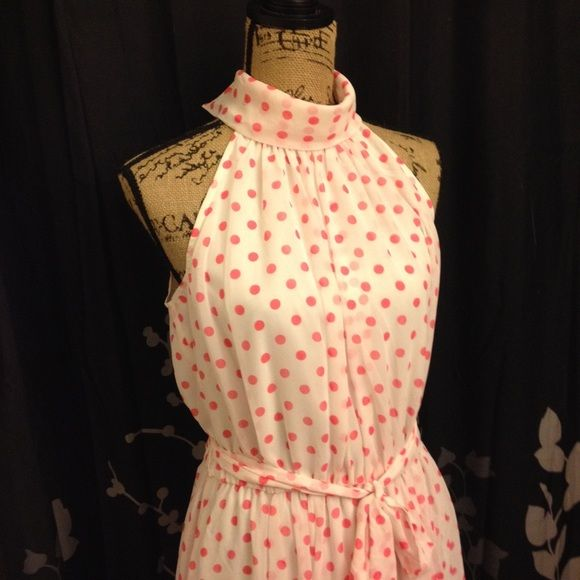 Pretty pink polka dot dress Silky knee length dress w/ hot pink dots pattern. Smooth comfortable fabric. Perfect for girls night out! Size 10 NWT New York & Company Dresses