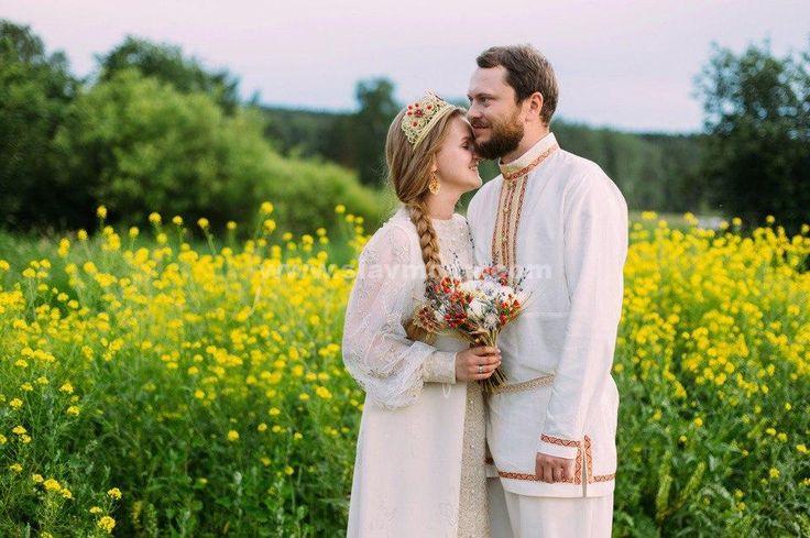 """Свадьба наших заказчиков. Отзыв любимых клиентов: """"Хотим выразить свою благодарность за наши свадебные наряды! Они невероятные""""."""