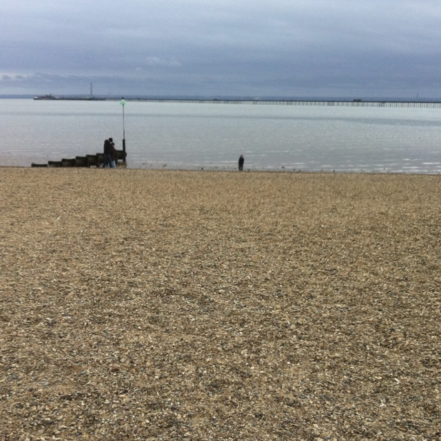 Sunny Southend-on-Sea.. Great childhood memories of this place and it seems to be a seaside town that hasn't been too badly affected by the spiralling economy.. Even off peak the place was buzzing with people!