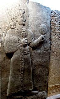 dos Hititas. Era conhecida também por outros nomes como Artemis, Diana, Astharté,Ishtar e Sibel. É bom não esquecer que Astharté também tem o nome de Lilith na tradição judaica,  e que teria sido a Primeira Mulher  antecessora de Eva.