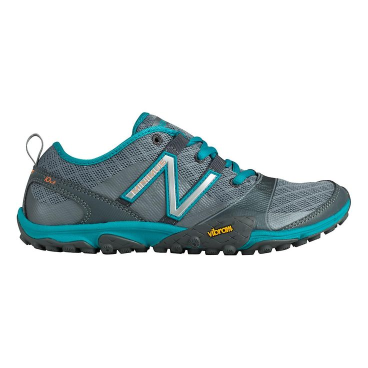 Take on the trails, while rockin the minimalist running style you love, in the Womens newly updated New Balance Minimus 10v3 Trail