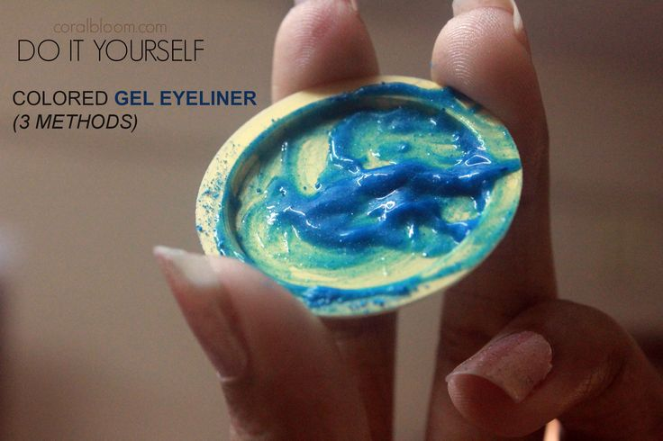 how to make eyeliner stay on oily eyelids