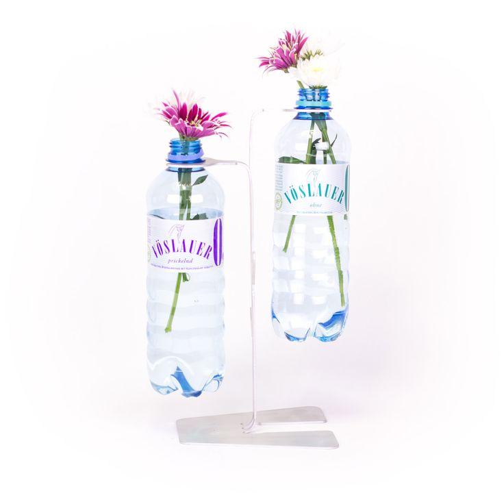 Mit Dem Vöslauer REbottleBAUM Werden PET Flaschen Zum Dekorativen  Tischobjekt.