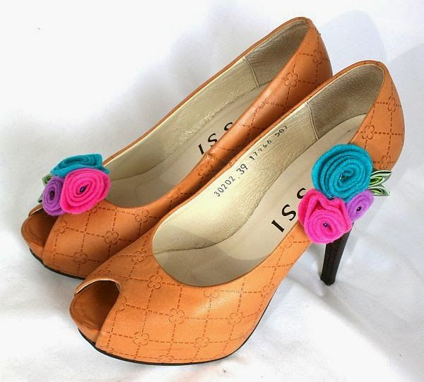 Klipsy do butów kwiaty, bukiet/ Flowers Shoe clips...