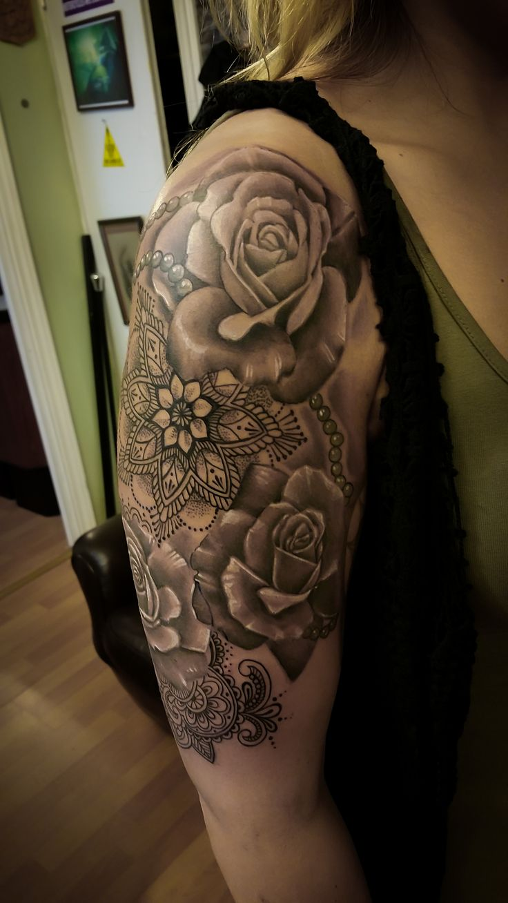 34 best images about rose mandala on pinterest black tattoos sleeve and lotus mandala. Black Bedroom Furniture Sets. Home Design Ideas