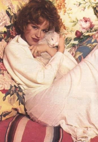 Molly Ringwald with #cat #thebreakfastclub