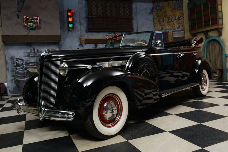 1937 Buick Roadmaster Convertible / Hemmings Motor News