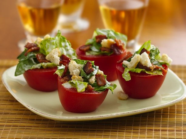 BLT Tomato Cups  ¸.•♥•.¸¸¸ - colourful for an outdoor Aussie Christmas!!¸.•♥•.¸¸¸