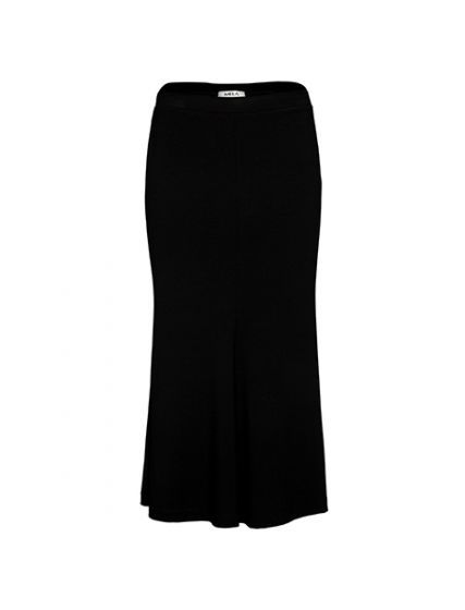 <p>The Mela Purdie Flip Skirt is a classic style for any wardrobe, crafted from their renowned Matte Jersey. This style features an elasticised waist, panelling through the body that offers a flattering form fit and a kick through the lower hemline of the skirt. Pair this skirt with a basic slip tank or large print for a chic look.</p> <p></p> <p>Machine Washable</p> <p></p> <p><b>FIT GUIDE:</b><&#...