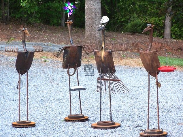 bird yard art...using recyled/ repurposed yard tools.  Neverblueforge.com