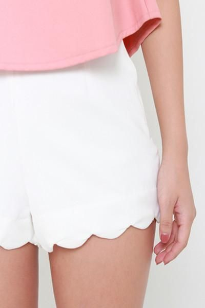 All Day Scallop Shorts - White