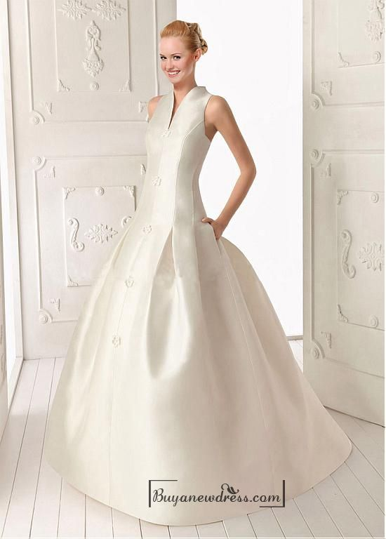 Beautiful Satin ball gown V-neck Natural Waist Wedding Dress With Handmade Flowers