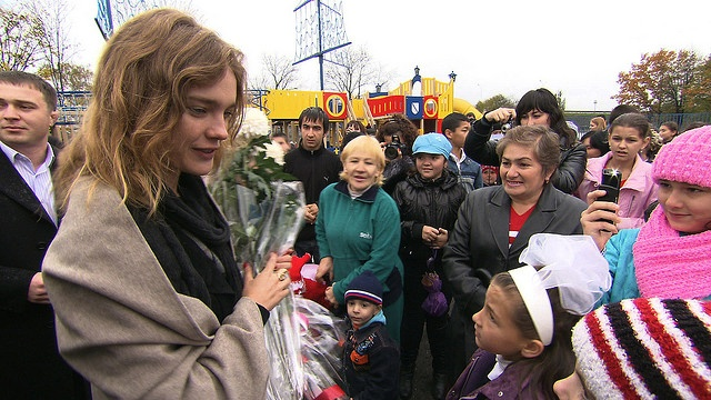 "www.nakedheart.org/ Play park in Beslan, Russia built by Natalia Vodianova's Naked Heart Foundation Игровой парк в Беслане, построенный фондом Натальи Водяновой ""Обнаженные сердца"""