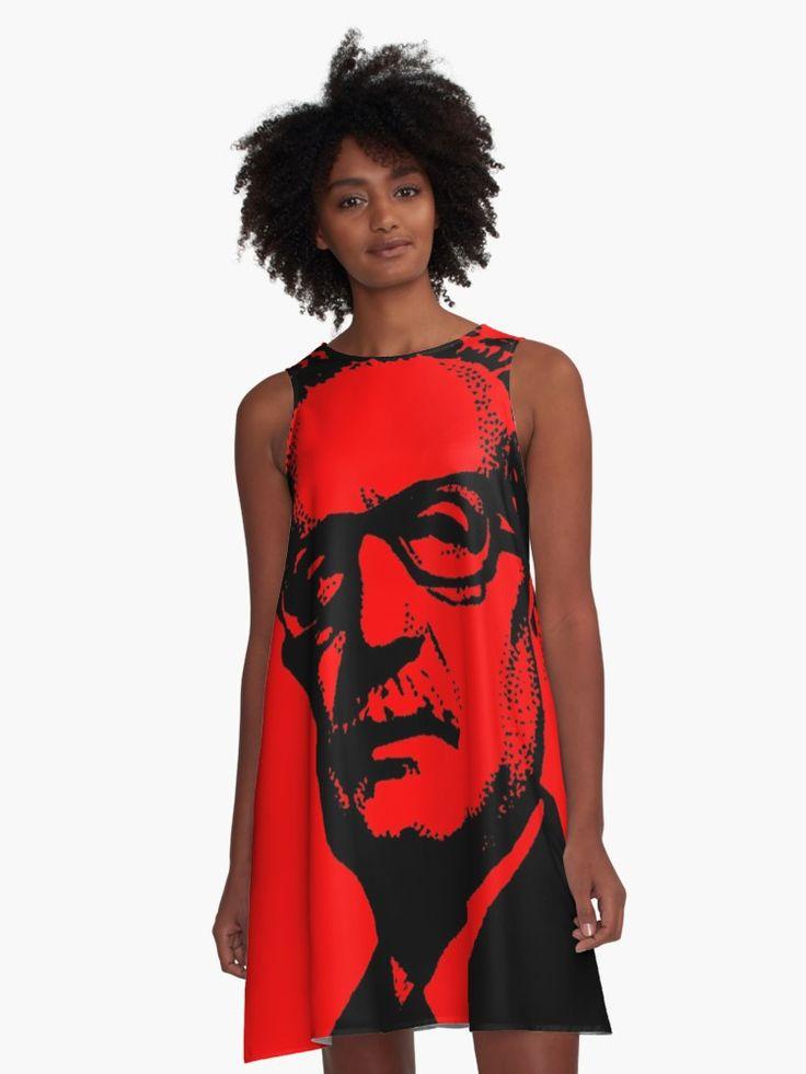 Salvador Guillermo Allende Gossens (Spanisch: [salβaðoɾ aʝende ɣosens]; 26. Juni 1908 – 11. September 1973) war ein chilenischer Arzt und Politiker, wie der erste Marxist bekannt Präsident eines lateinamerikanischen Land durch offene Wahlen zu werden. Allende Engagement in der chilenischen politischen Leben überspannte einen Zeitraum von fast vierzig Jahren. Als Mitglied der Sozialistischen Partei, war er ein Senator, Stellvertreter und Minister. Er lief erfolglos für den Vorsitz in...