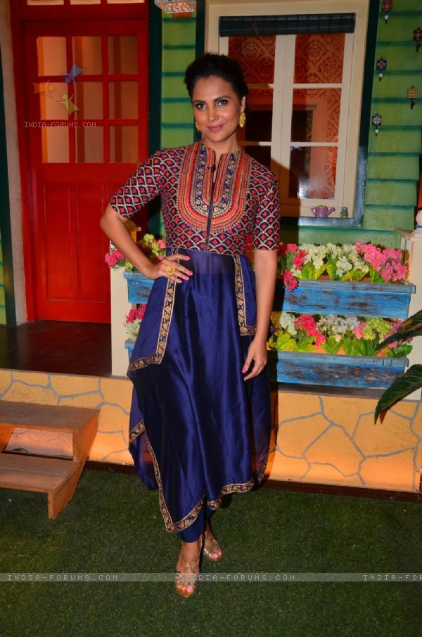 Lara Dutta stunning outfit for kapil Sharma