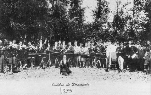The Kerasunta (Giresun) Philharmonic Orchestra performed in other neighbouring towns on a regular basis as well as events during Christmas, New Year's, Easter and school performances. Photo circa 1907. More photos of Pontus: www.pontosworld.com/index.php/photos/pontus