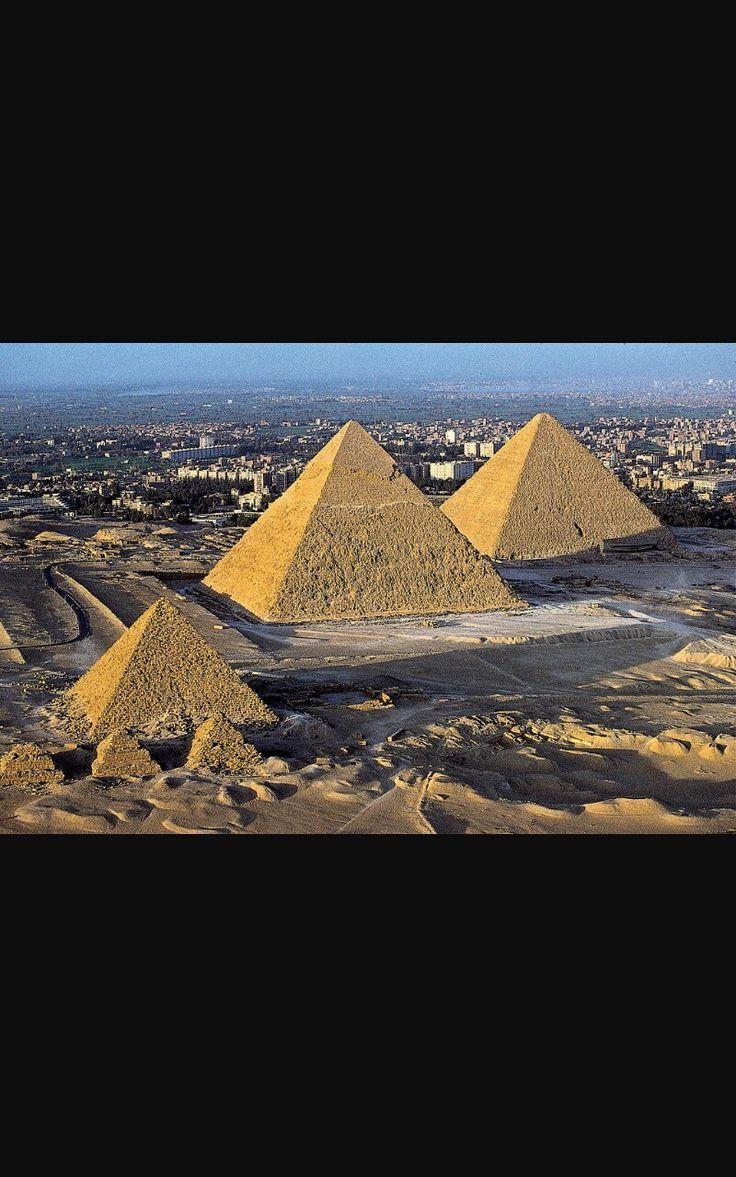 Necropoli di  Giza Antico Regno III Millennio  Giza, Egitto Piramidi di Cheope, Chefren e Micerino