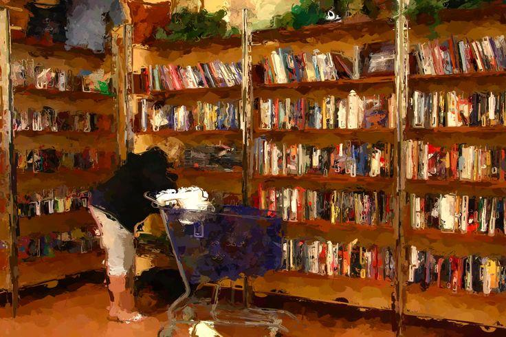 Florida Used Book Bargain Shopper - Fort Pierce, Florida, USA ©NoticePictures