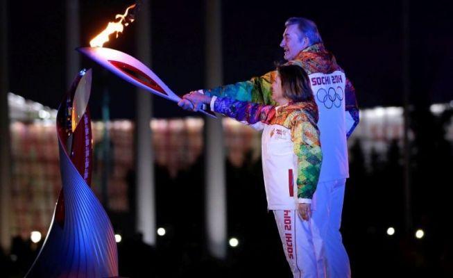 ZIO Soczi 2014: prezydent Rosji dokonał otwarcia  http://sporte.pl/event/485-zio-soczi-2014-prezydent-rosji-dokonal-otwarcia W piątek wieczorem 22. Zimowe Igrzyska Olimpijskie w Soczi zostały oficjalnie otwarte. - Ogłaszam igrzyska za otwarte - wypowiedział słynne słowa podczas hucznej ceremonii prezydent Rosji Władimir Putin.