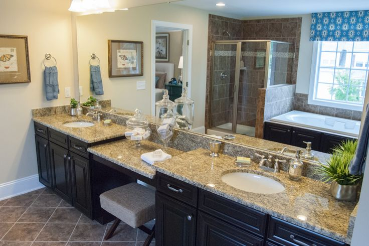 Owner S Bath With Granite Knee Space Whirlpool Tub And