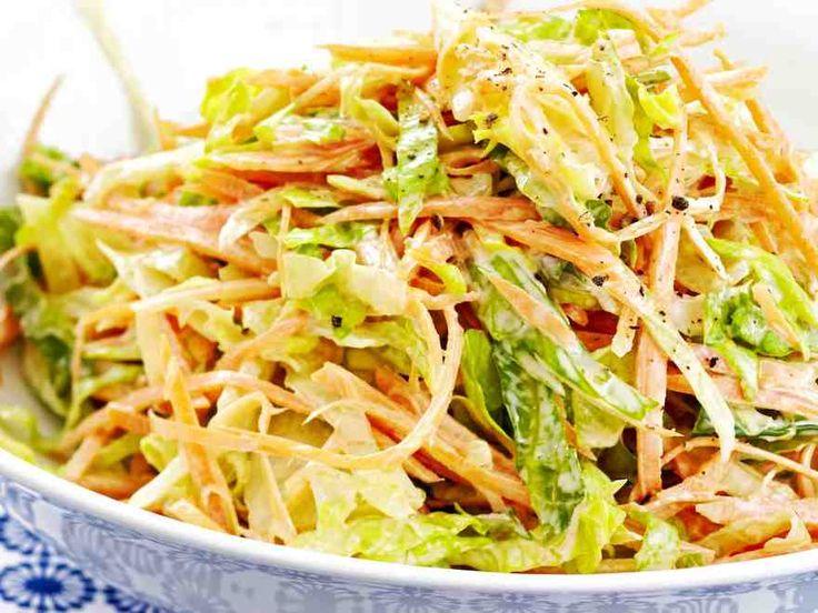 Raikas salaatti, porkkana sekä majoneesi maistuvat herkullisilta salaattislawssa. http://www.yhteishyva.fi/ruoka-ja-reseptit/reseptit/salaattislaw/014107