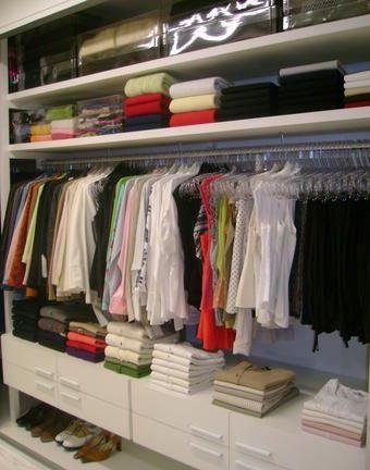 Quem não gosta de abrir o guarda-roupas e sentir um cheirinho bom? O primeiro passo é deixar seu guarda-roupas organizado, isso não influência no cheiro, mas vai lhe fazer um bem danado. A lavagem das roupas é importante, só guarde… Continue Reading →