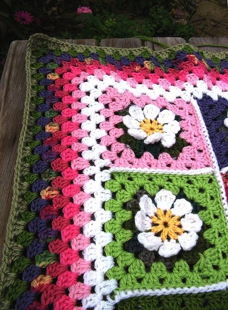 flower crochet square