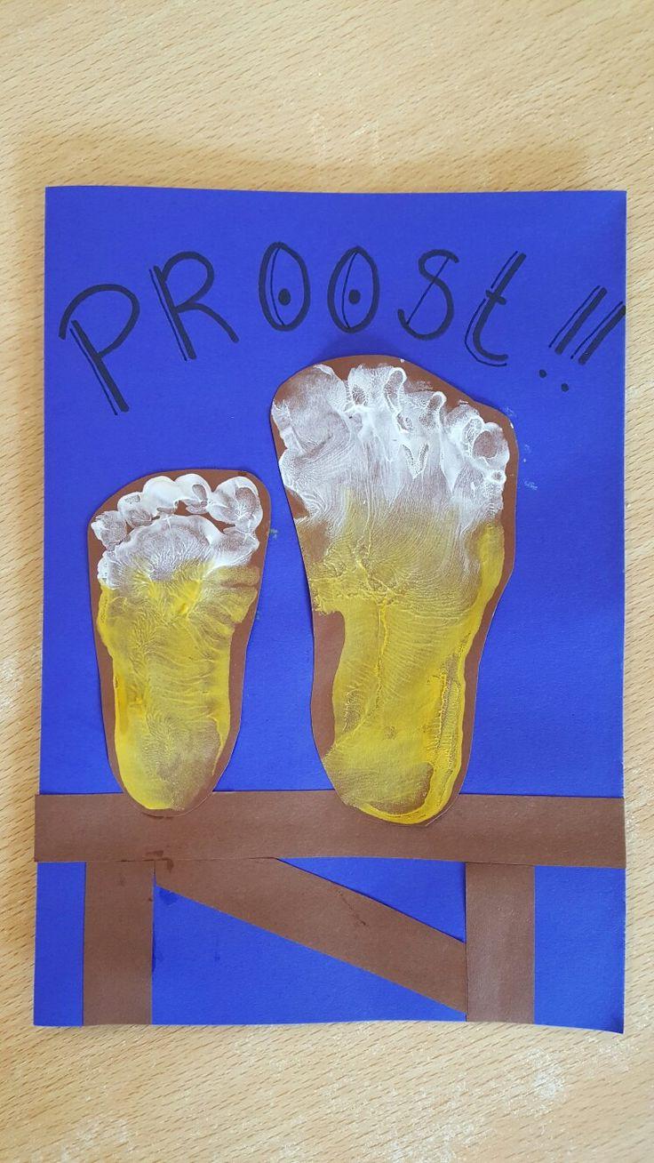 Een biertje van een voetje, Proost!