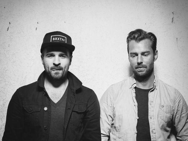"""CHPLN: """"White Snow"""" - Londoner Multipop-Duo veröffentlicht Video zu genial-chilliger Elektro-Pop-Nummer - https://www.avalost.de/8371/musik/genre/synthpopelectropop/chpln-white-snow-londoner-multipop-duo-veroeffentlicht-video-zu-genial-chilliger-elektro-pop-nummer"""