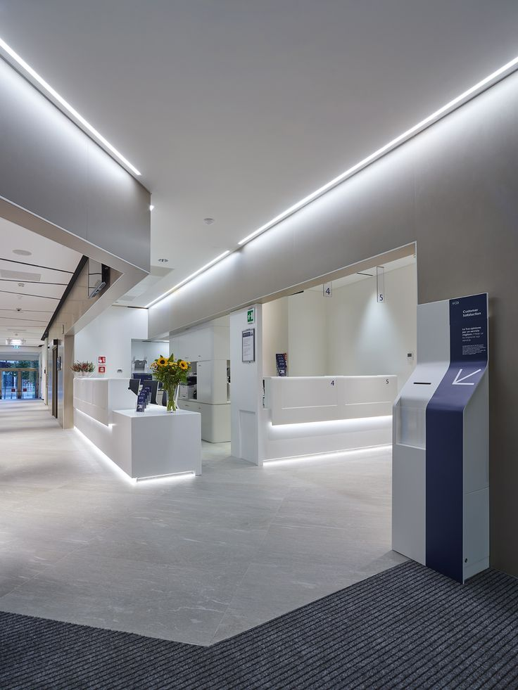CDI Centro Diagnostico Italiano – Milan, Italy – Architectural and Lighting project: Dante O. Benini & Partners Architects – Photo: Beppe Raso - Lighting products: Laser Blade, Underscore #iGuzzini #Lighting #Light #Luce #Lumière #Licht #Clinic #LuxuryClinic #Hospitality #Hospital