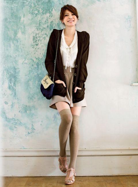 ニーハイ×春色ブーティはニュアンスカラーが軽さのカギ | ファッション コーディネート | with online on ウーマンエキサイト