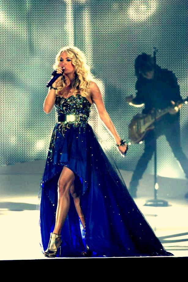 carrie underwood on tour! love her songs so much she inspires me!!