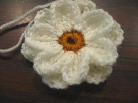 Crochet Daisy Flower - Meladora's Creations Free Crochet Patterns & Tutorials with right and left hand videos