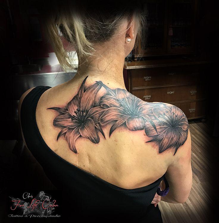 Pigmentflecken überdeckt :-) #forlifecolor #inked #tattoochris #christattoo #tattooraubling #ink #instatattoo #nofilter #instagood #tats #übertätowierung #pigmentflecken #lilien #inprogress #lilientattoo #inkstagram #tattoodesign #blackandgreytattoo #tattooartist #tattoo #tattoos #tattoostyle #tattooedgirls #finlinetattoo #tattooidea #tattoolife #tattoolovers #tattooart #tattooedwomen #tattooing