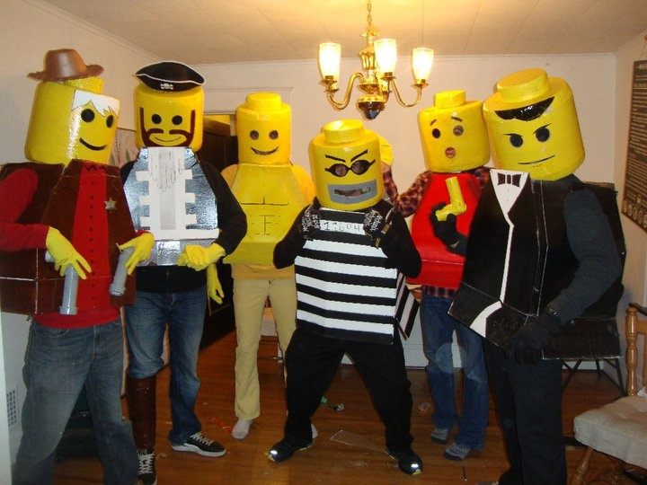 · How to Make GIANT Lego Man Costume from Cardboard Today I show you how to make giant fully functional lego man costume! You need a lot of cardboard and glue sticks! This costume can be used for.