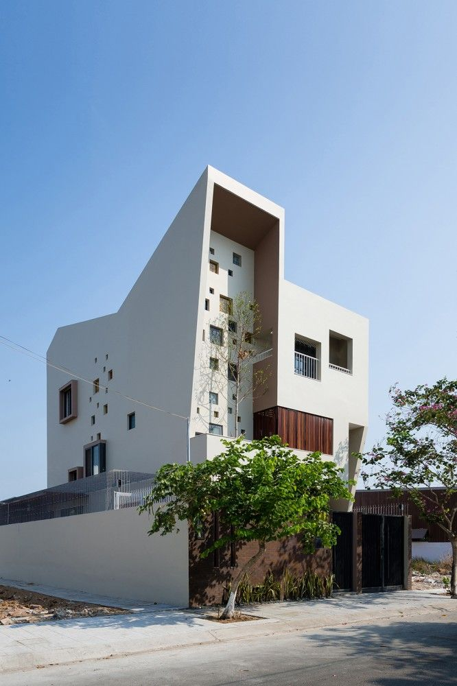 2H House in Ho Chi Minh City, Ho Chi Minh, Vietnam | Truong An architecture + 23o5Studio