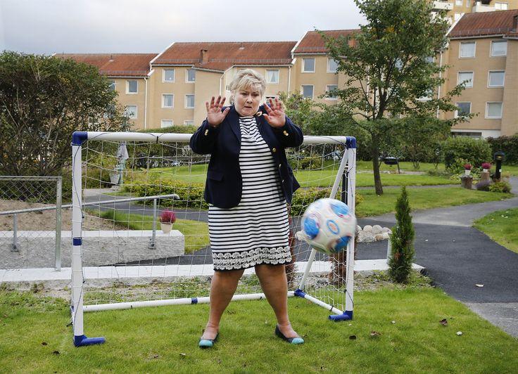 <p>POLITISK BOMSKUDD: Statsminister Erna Solberg hadde full kontroll i…