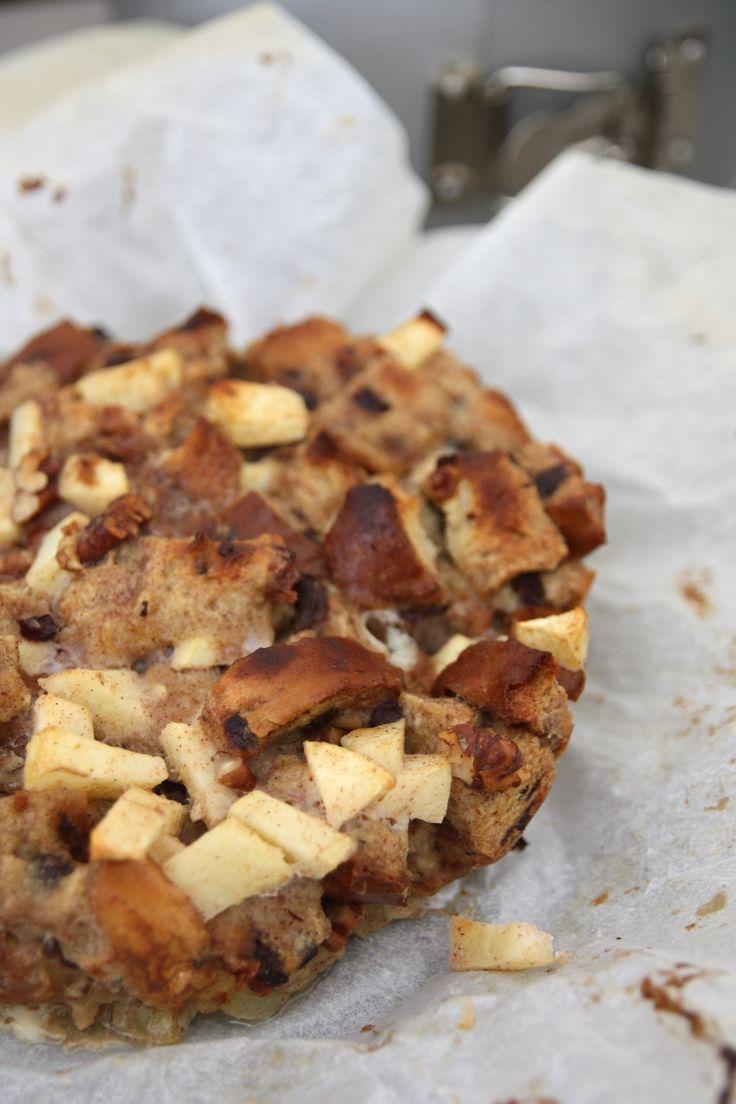 Krenten-brood-pudding met appel, kaneel en pecannoten • EEFSFOOD