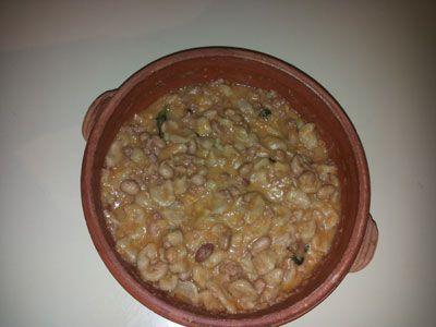 Pisarei e faso' Piatto tipico della #cucina piacentina, si tratta di #gnocchetti di #farina e #pangrattato conditi con un sugo di #fagioli, #lardo, #cipolla e #pomodoro.
