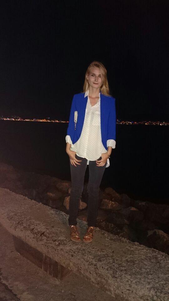 Blauer blazer mit schulterpolster