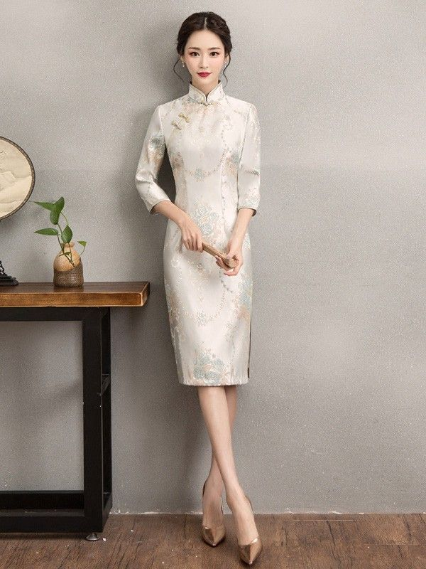 Embroidered Qipao / Cheongsam Dress with Long Sleeve for Winter