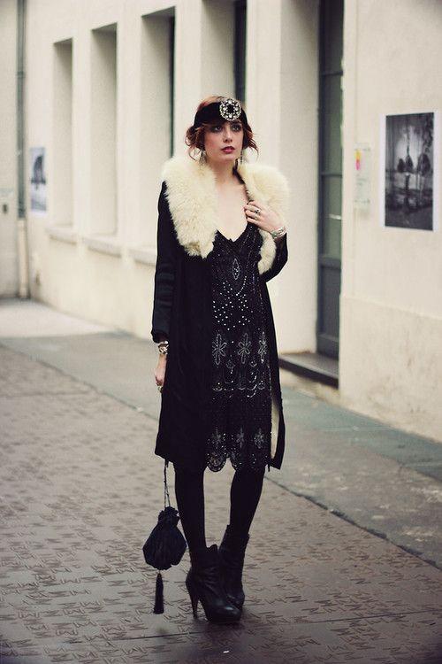 Flapper 20s fashion   black white headband jewelry diamonds crystals tote