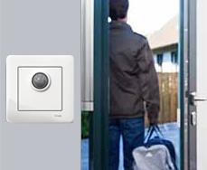 Rörelsevakter är praktiska på platser där belysning ofta tänds och släcks, t.ex på toaletter.