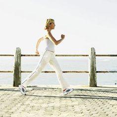 cOME CAMMINARE. Hai una voglia pazza di perdere peso e tonificare i muscoli, senza però diventare fanatica della palestra? Allora punta sulla camminata sportiva! Per camminare, non ci sono obblighi orari, né...
